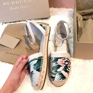 NWT Burberry Shoes size 37